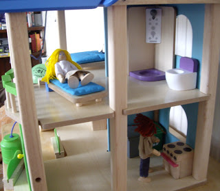 boys doll house
