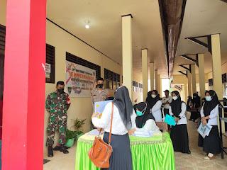 Bhabinkamtibmas Kelurahan Kalosi Polsek Alla Melaksanakan Pengamanan Ujian Seleksi PPPK