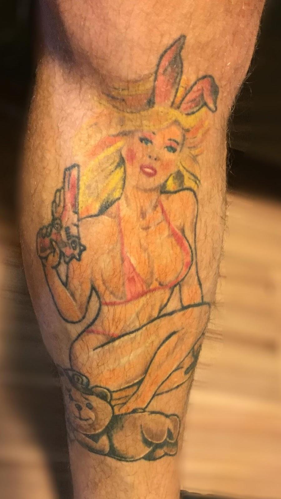 Franklin David mostrou tatuagem de Pamela Anderson na perna esquerda. Foto: Arquivo Pessoal