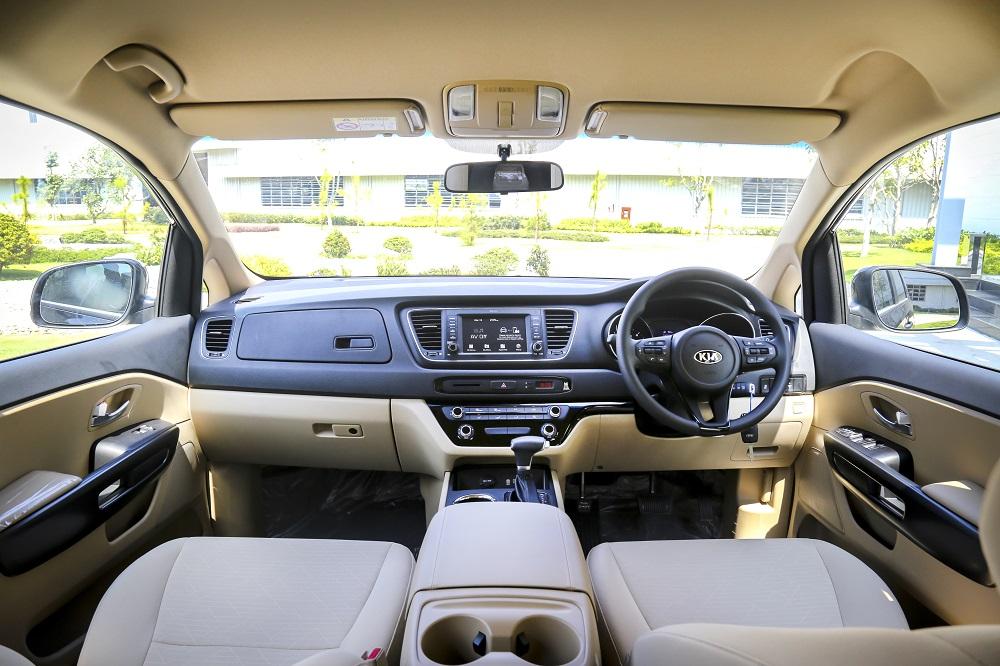 Thaco xuất khẩu xe du lịch Kia Sedona sang Thái Lan