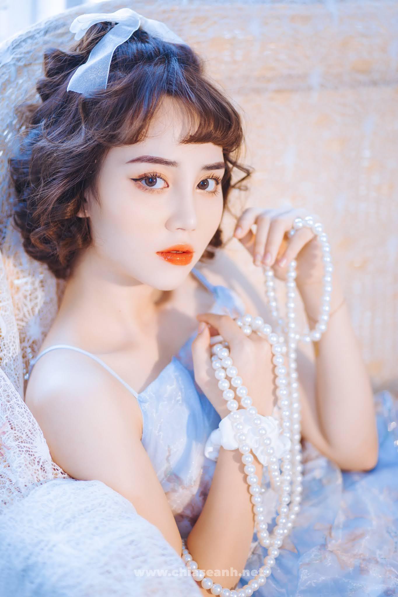"""Mê mẫn với vẻ đẹp ngọt ngào của nữ sinh năm 2 Đại học Văn hóa Hà Nội: Vừa tung bộ ảnh đã """"dính"""" ngay trending!"""