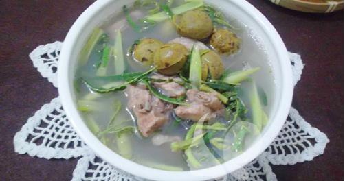 Hồng Ngọc Foody: Canh sườn nấu sấu, rau rút