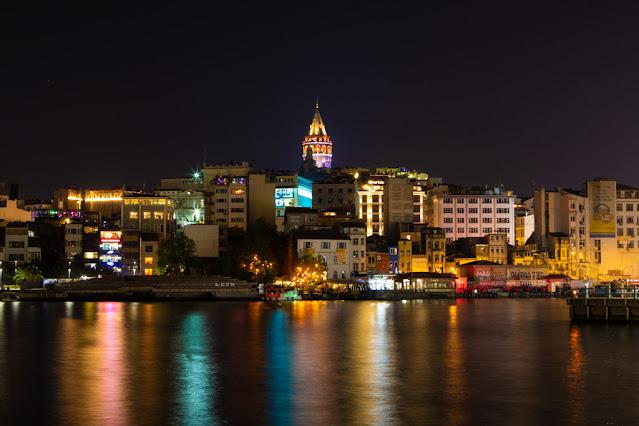 Torre di Galata di notte-Istanbul
