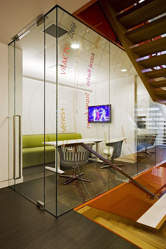 10x10 Office Layout: Beautiful Office Interiors Of A Canadian Media Company