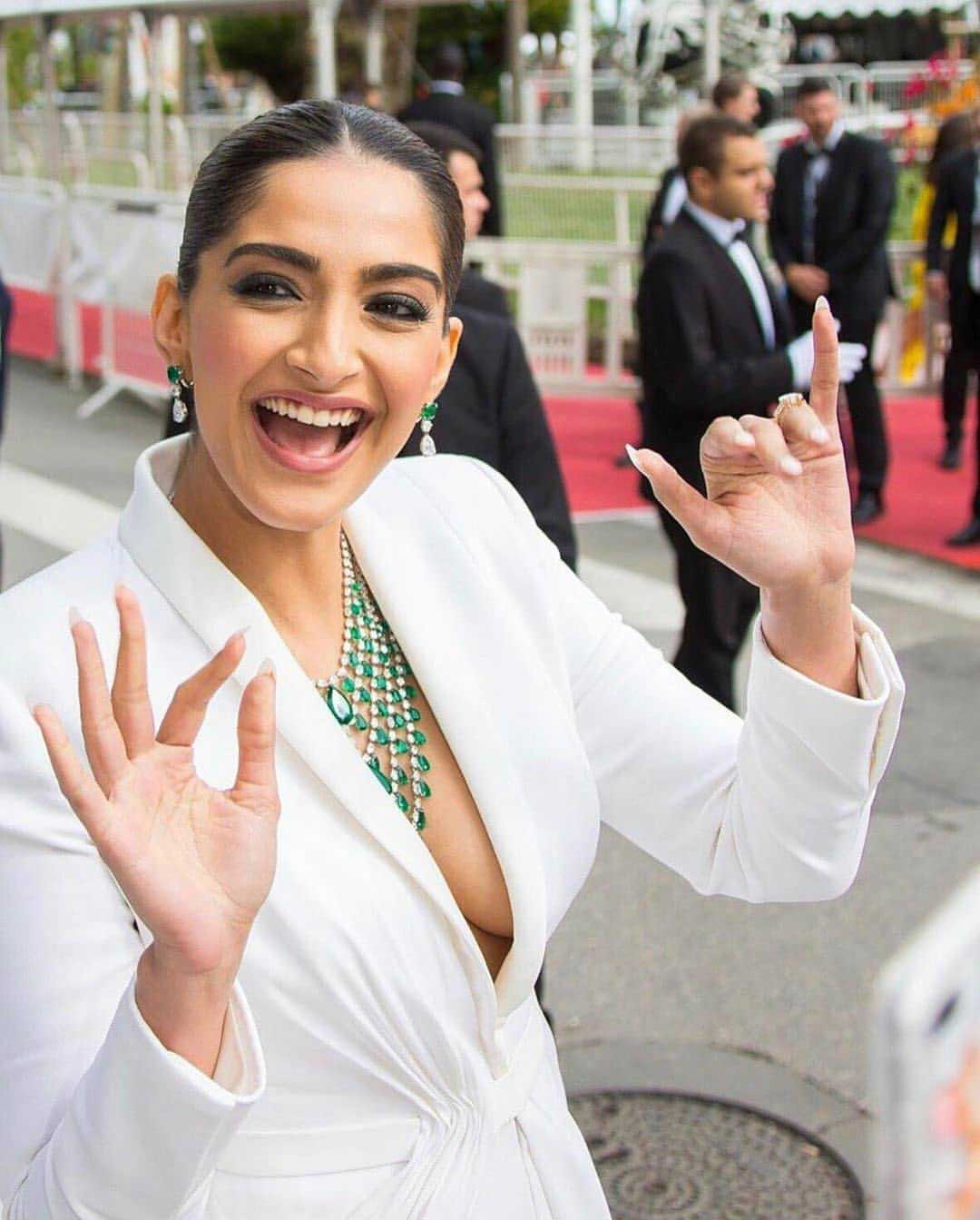 Sonam Kapoor Boobs