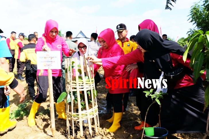 Kabid Humas, Bhayangkari Polda Sulsel Aktif Sukseskan Program Polri Peduli Penghijauan