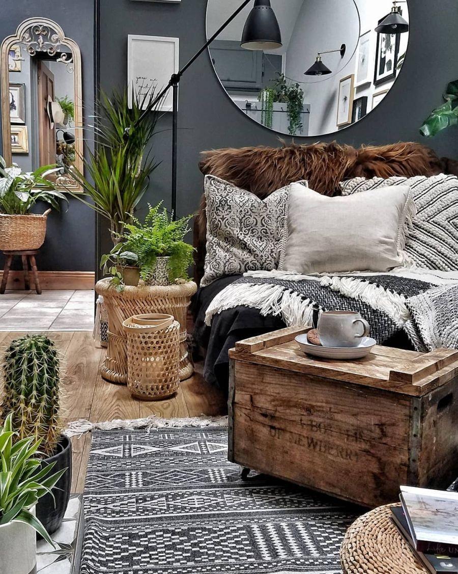 Nieszablonowe mieszkanie z naturą w tle, wystrój wnętrz, wnętrza, urządzanie domu, dekoracje wnętrz, aranżacja wnętrz, inspiracje wnętrz,interior design , dom i wnętrze, aranżacja mieszkania, modne wnętrza, home decor, rustic style, Scandinavian style, industrial style, classic style, styl rustykalny, styl skandynawski, vintage, boho, styl industrialny, styl eco, natura, natural, stonowane kolory, urban jungle, kuchnia, kitchen, meble kuchenne, drewniane blaty, salon, pokój dzienny, living room, dywan, kanapa, sofa, rośliny,
