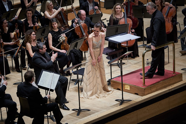Puccini: Le Willis - Arsen Soghomonyan, Ermonela Jaho, Sir Mark Elder, London Philharmonic Orchestra in November 2018 (Photo Russell Duncan)