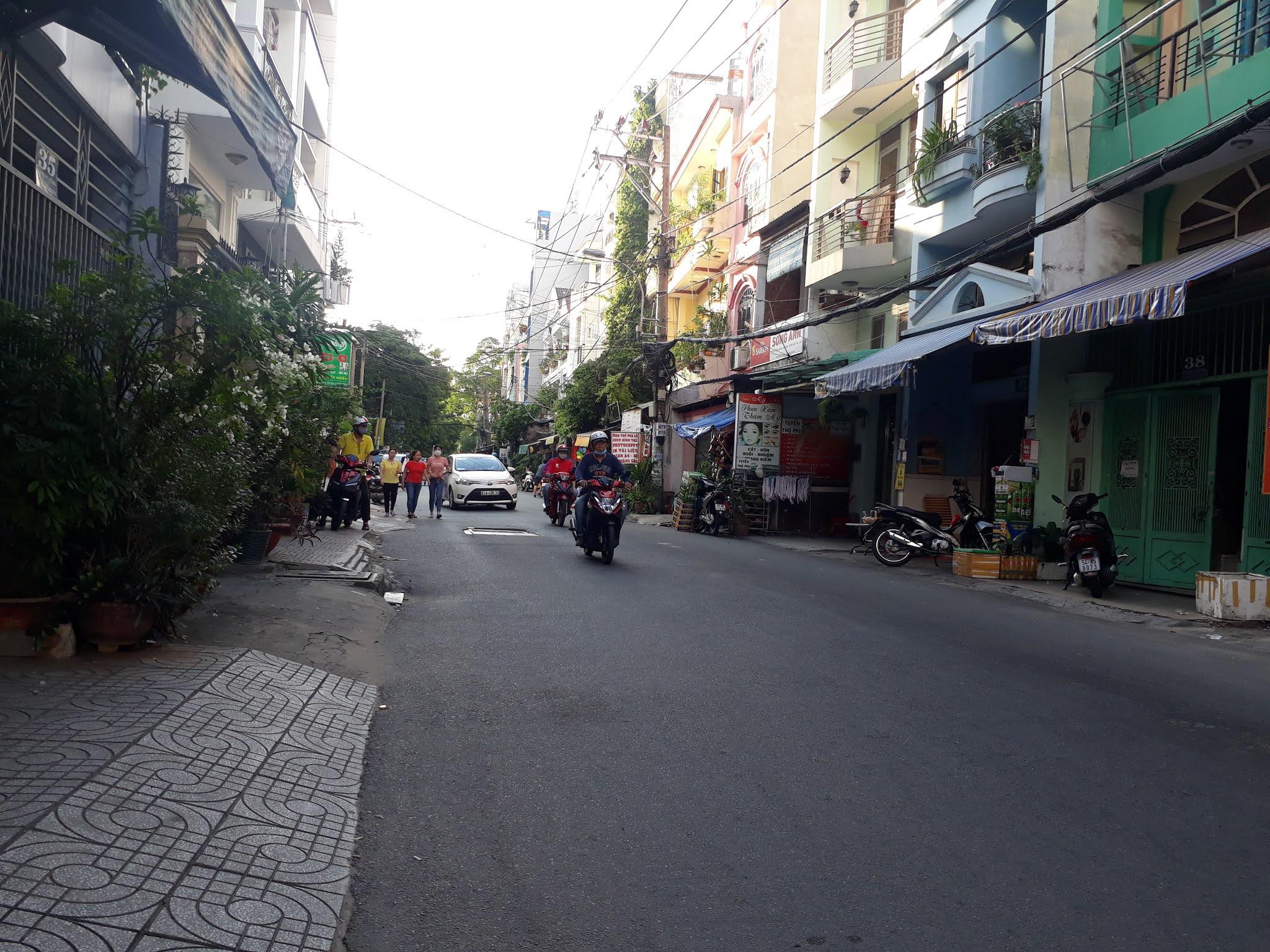 Bán nhà Mặt tiền đường Bùi Văn Thêm phường 9 quận Phú Nhuận