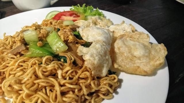 Branchsto Cafe & Resto Makanannya Enak, Suasananya Nyaman, Kenyang Setelah Berkuda dan Memanah