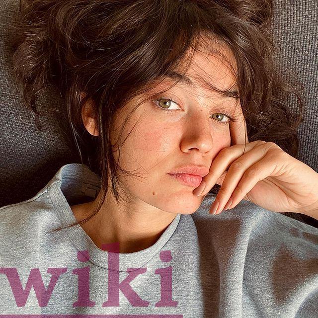 The beautiful actress Pinar Deniz