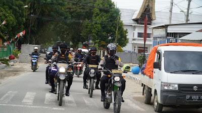 Mengendarai Roda Dua Kapolres Torut Turun Langsung Pantau Pengamanan Jumat Agung