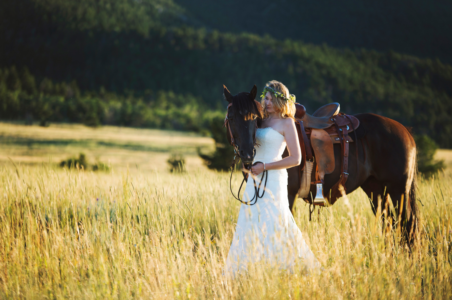 Photography: Macy Spencer Photography /  Montana Bride / Horse