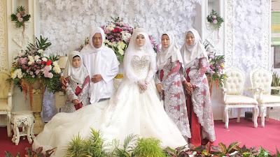 -Menikahkan- Antar- Keturunan-  Pondok- Pesantren Al-Mubarok- dengan -Raudlatul- Ulum-