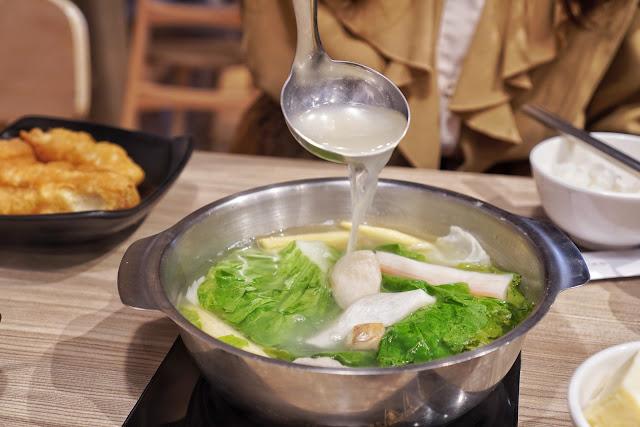 台南北區美食【富士匠鍋物】餐點介紹-雞骨白湯鍋