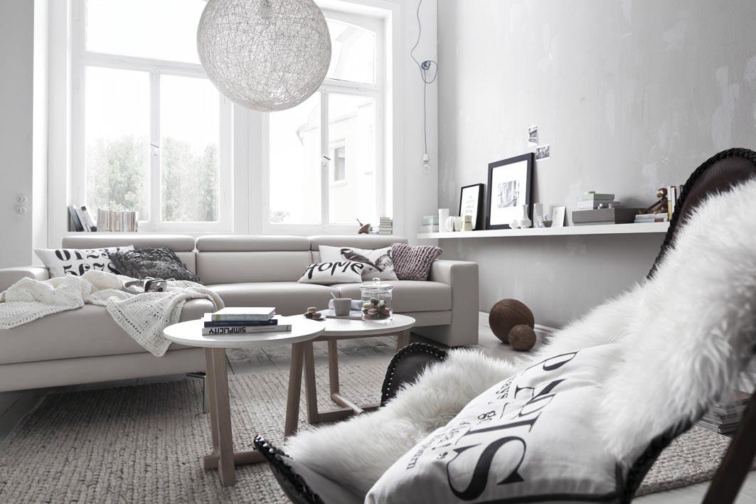 ein wohnzimmer. Black Bedroom Furniture Sets. Home Design Ideas