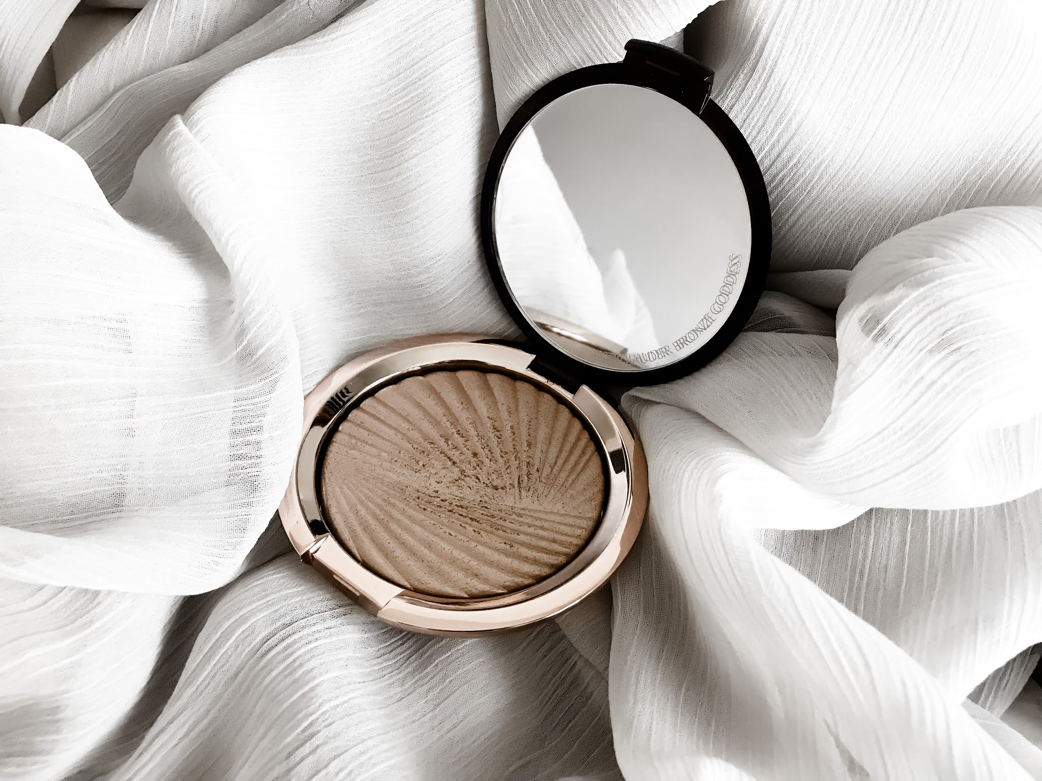 Estee Lauder Bronze Goddess Highlighter
