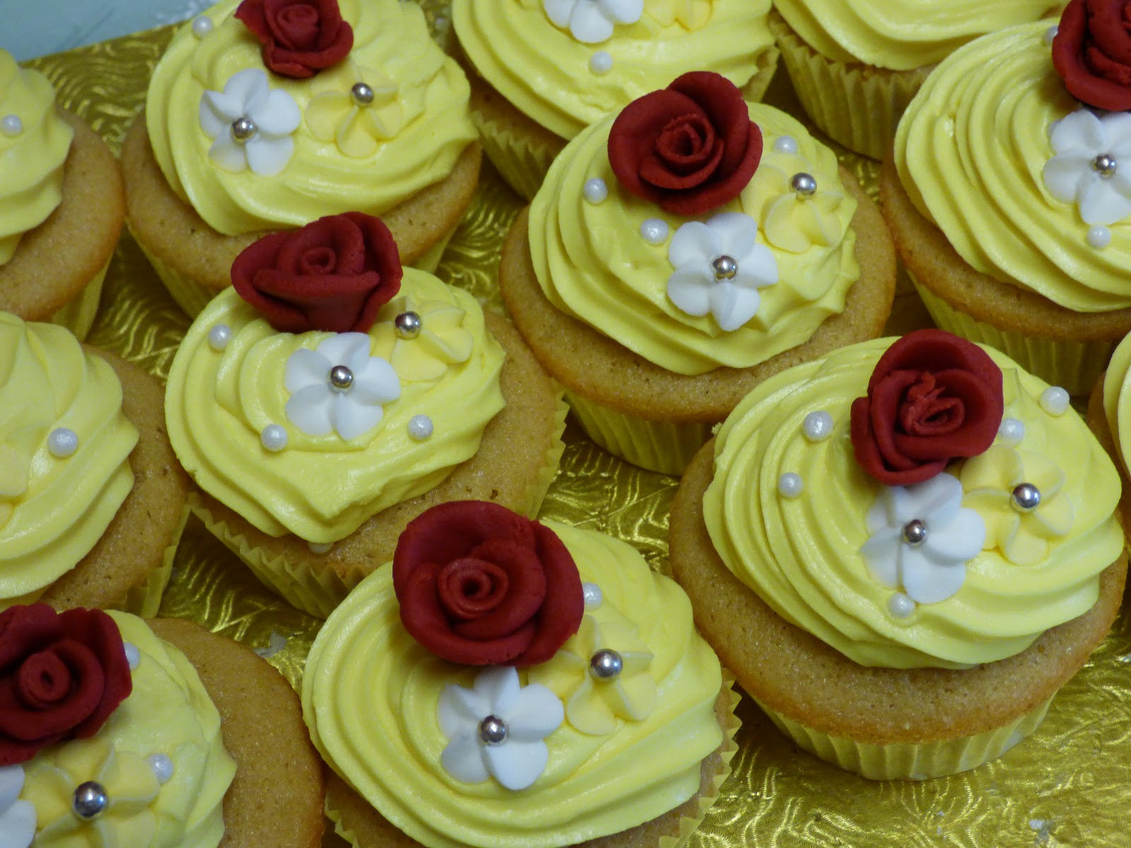 Beauty And The Beast Inspired Cupcakes