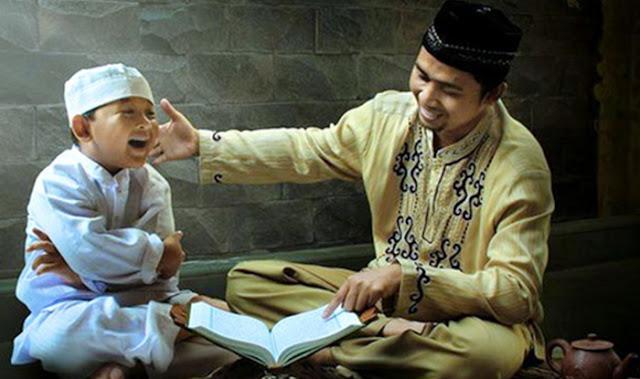 "Kelak Bila Anakku Bertanya ""Ayah Sedang di mana Saat Kitab Suci Dihina?"