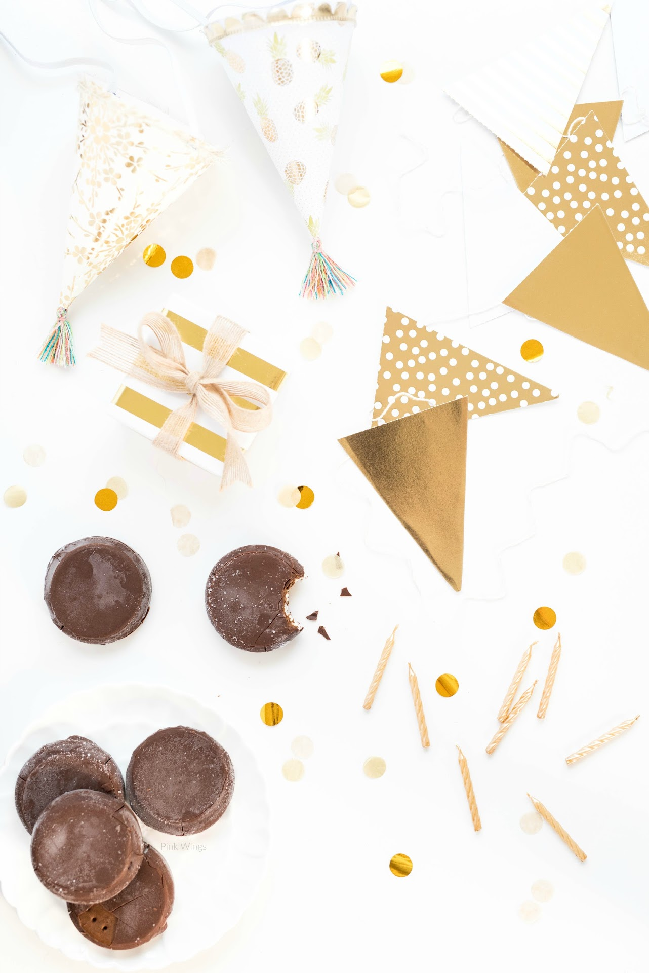 skinny cow chocolatey dipped ice cream sandwiches, review, best ice cream sandwiches, birthday cakes for ice cream lovers, summer birthday ideas, gold birthday party, gold candles, birthday party ideas for adults, husband birthday ideas, gold themed party
