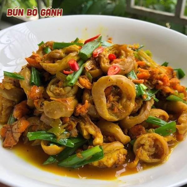 Lòng Xào Nghệ- Stir-fried Pork-intestine With Turmeric