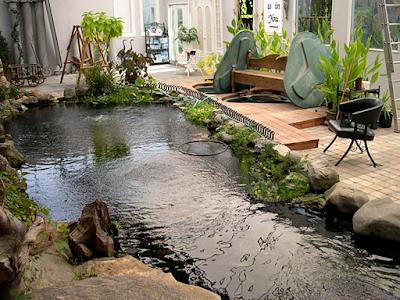 Contoh Taman Dalam Rumah Minimalis Dengan Kolam Ikan Luas
