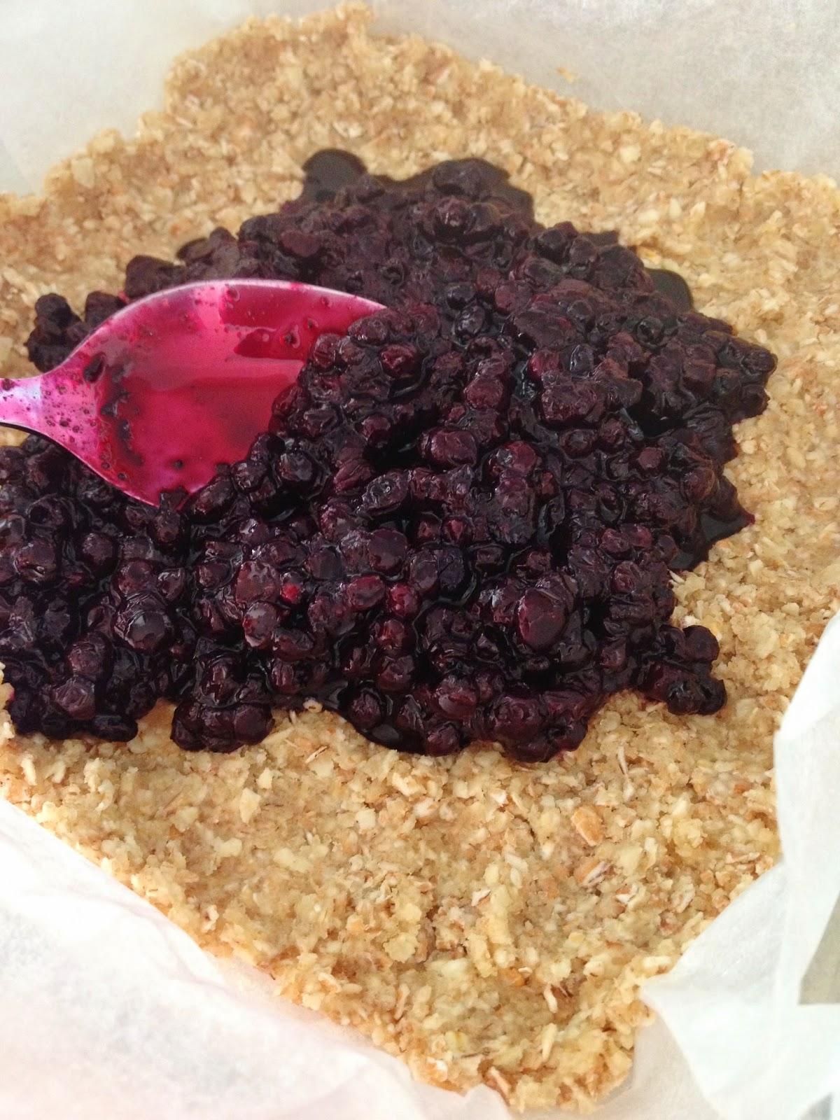 Sweet Kwisine, carrés, myrtilles, tarte, blueberry squares, oatmeal, flocons d'avoine