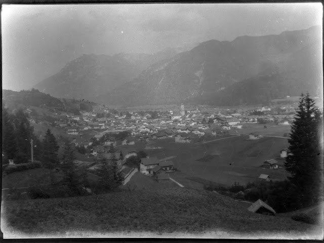 Mittenwald von den Hügeln südlich der Stadt - um 1920?