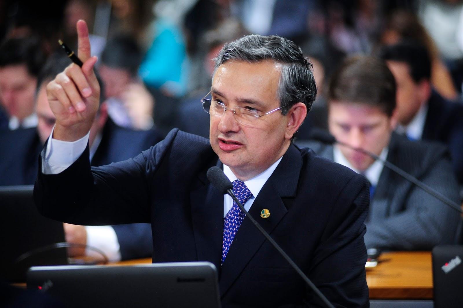 Confirmado: Senador Eduardo Amorim é membro da Comissão do impeachment