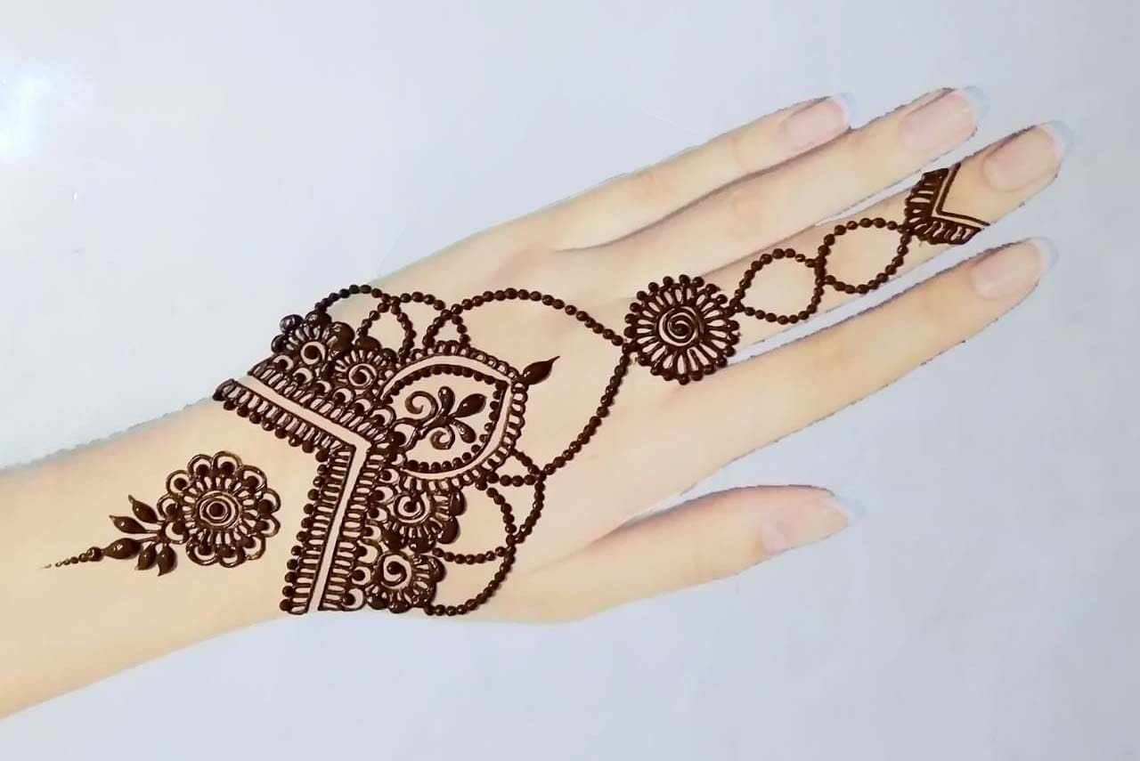 Long Jewellery Finger Design