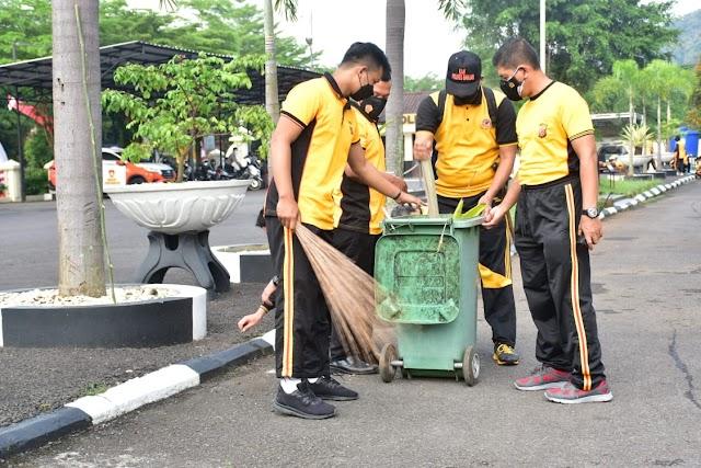 Jelang HUT Bhayangkara Ke-75, Polres Banjar Tampil Bersih, Rutin Lakukan Kegiatan Korve