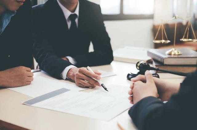 المحاماة مهنة كلام - محامي في دبي
