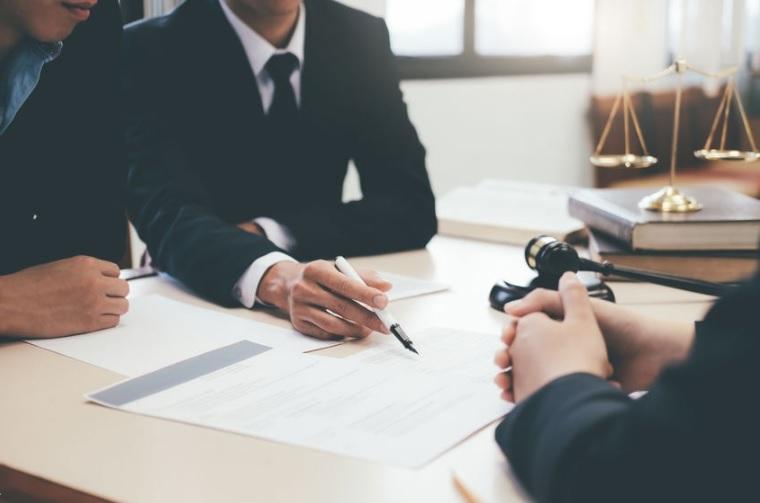 العلاقة العقدية بين المؤجر والمستأجر - قانون المالكين والمستأجرين
