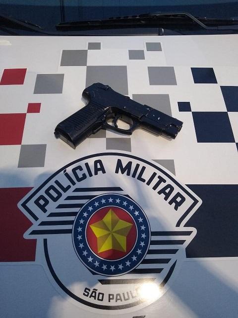 Polícia Militar deteve homem que ameaçou taxista em Registro-SP com uma arma
