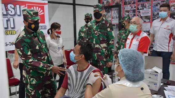Serbuan Vaksinasi TNI bersama Perhimpunan INTI Sumut