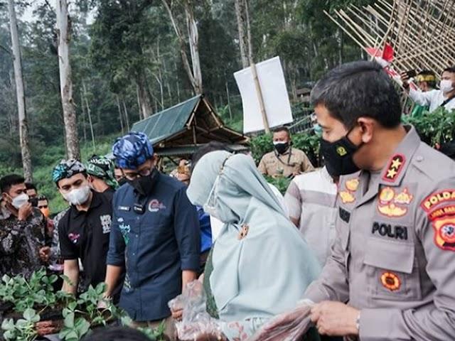 Kunjungi Kabupaten Bandung Menparekraf Gelar KaTa dan Kunjungi Desa Wisata Alam Endah Rancabali