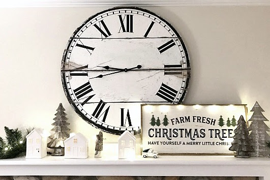Neutral Christmas Holiday Mantel Ideas