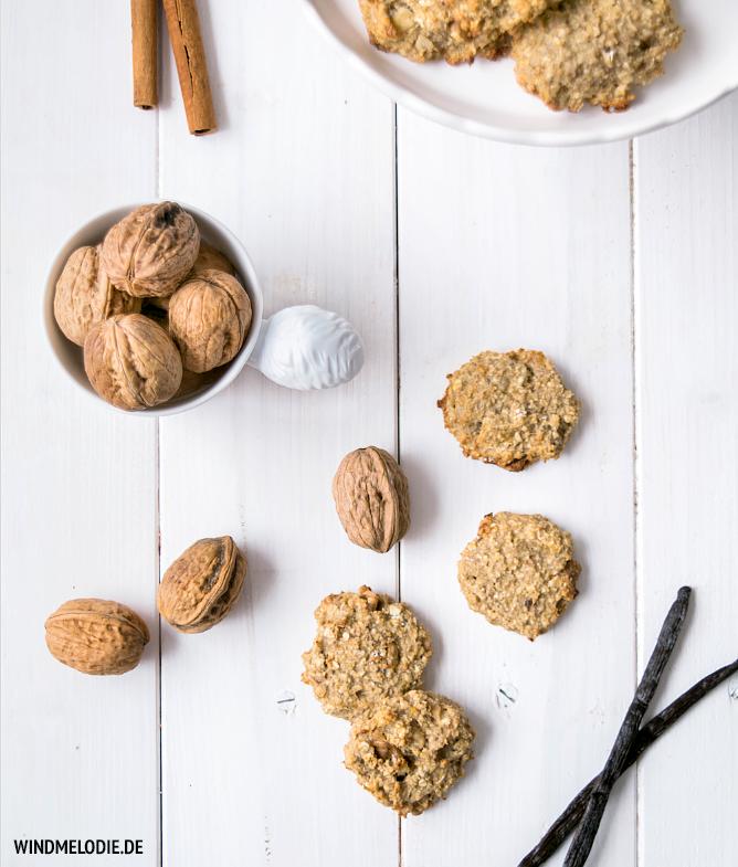 Vegan Haferflocken Kekse Rezept mit Nüssen Eichhörnchen Tasse