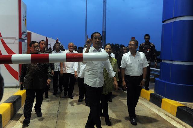Jokowi Minta Tol Palindra Digratiskan Sampai Akhir Tahun