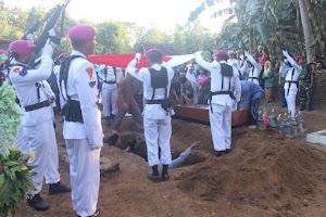 Pemakaman Almarhum Peltu Mar Hudan Anggota Yon Arhanud-2 Surabaya di Kulon Progo