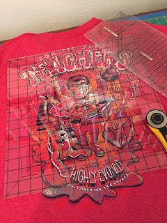 Placement of the template for T-shirt ragg quilt