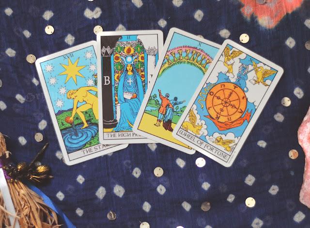 Significado das cartas do tarot no amor, dinheiro e trabalho, saúde, obstáculo ou invertida e conselho.