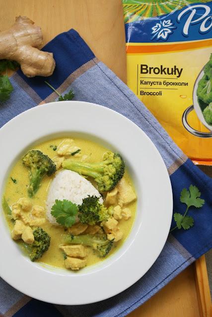 kurczak, curry, brokuły