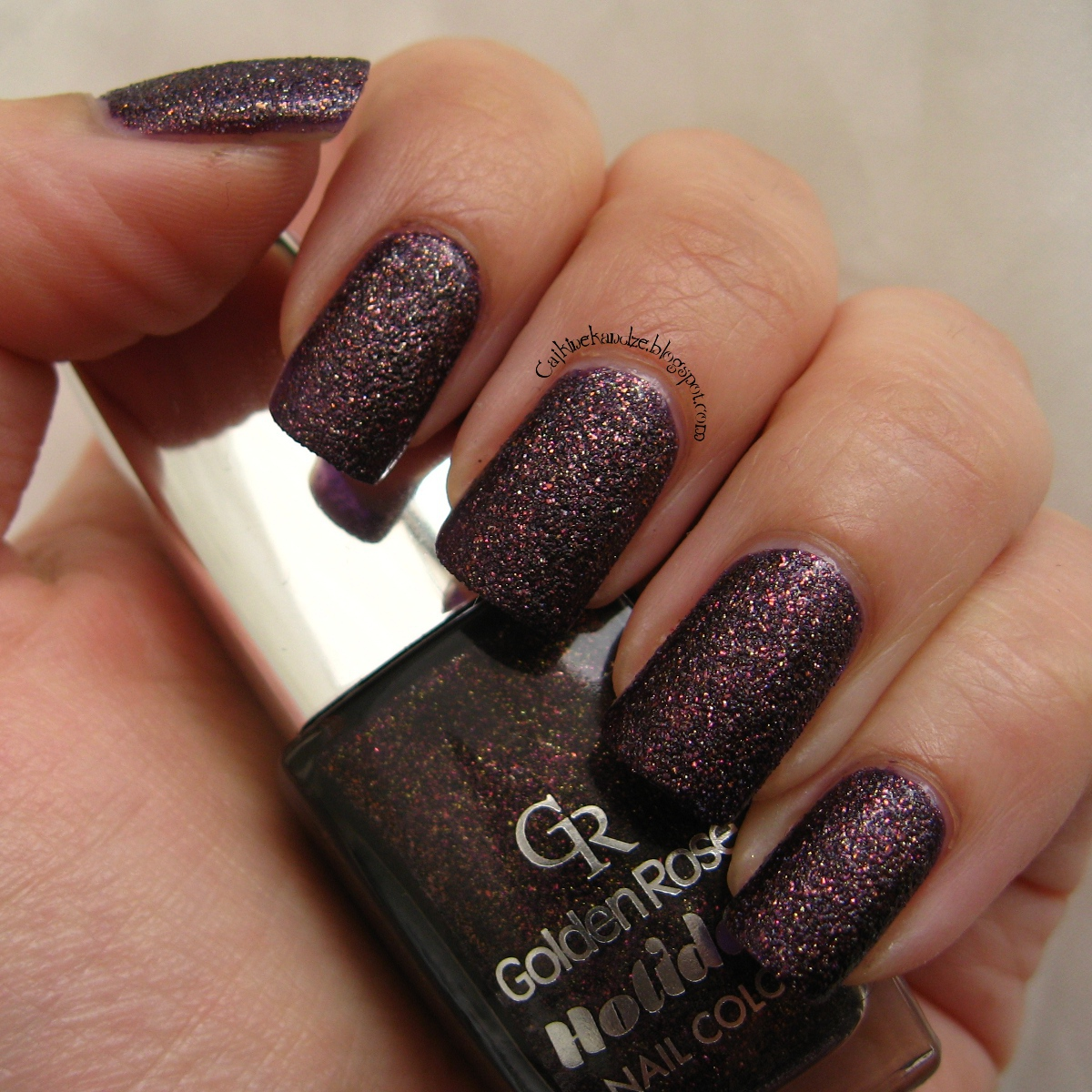 Xmas Nail Colours: Golden Rose Holiday Nail Color 58