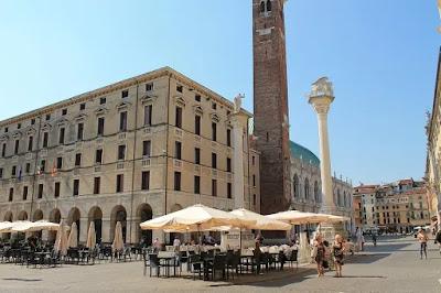 piazza dei signori-Vicenza-Palladio