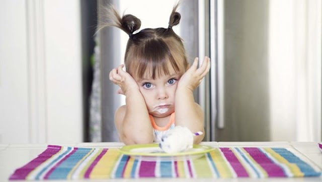 Πώς θα καταλάβετε αν το παιδί σας έχει αλλεργία σε κάποιο τρόφιμο;
