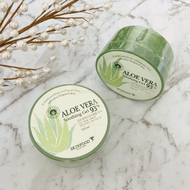 Kem dưỡng nha đam Skinfood Aloe Vera 93%