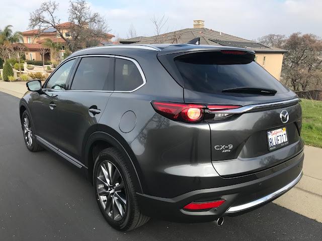 Rear 3/4 view of 2020 Mazda CX-9 Signature AWD
