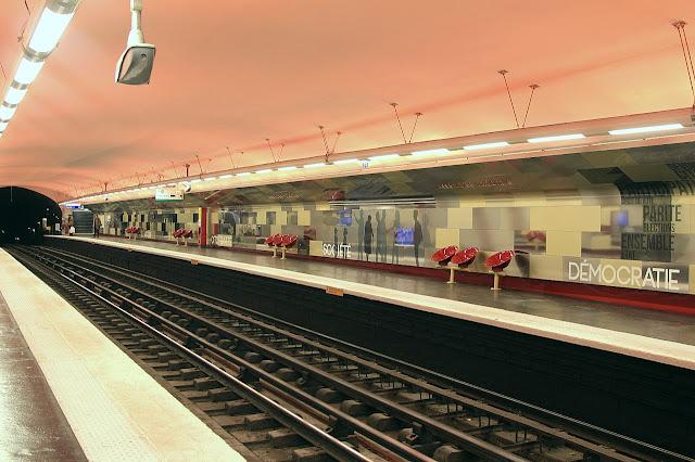As estações de metrô mais bonitas e diferentes de Paris - Assemblee Nationale