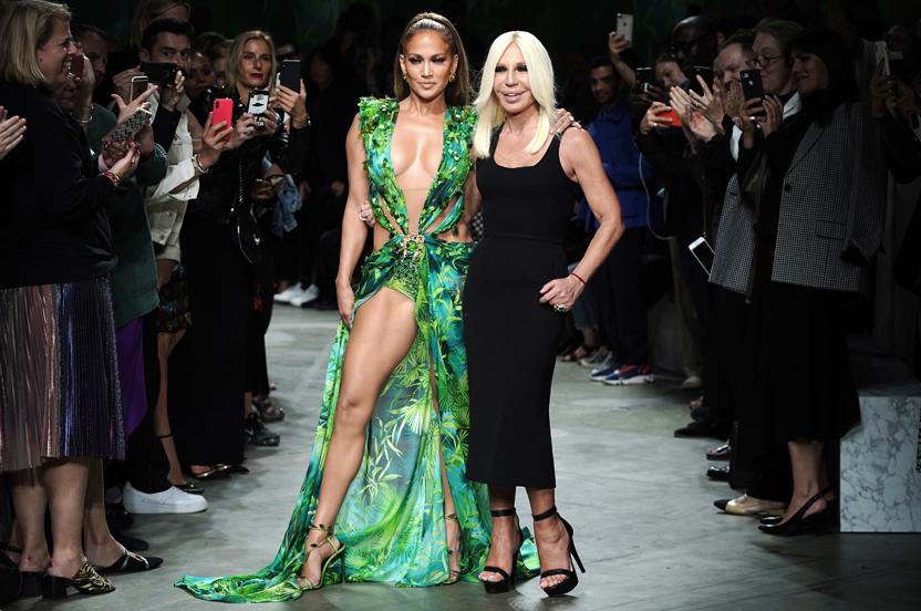La historia detrás del icónico vestido Versace de Jennifer Lopez